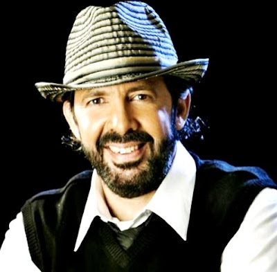 Foto de Juan Luis Guerra con sombrero