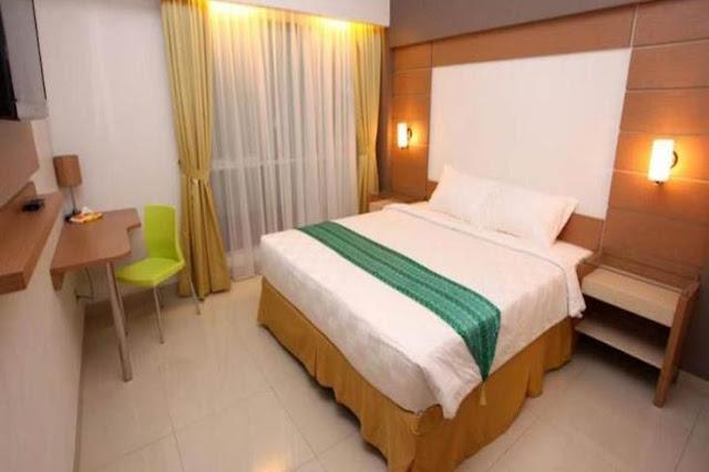 Bepergian selalu erat kaitannya dengan tempat persinggahan. Begitupula jika bepergian ke Kota Banjarbaru. Bagi yang menginginkan nuansa Islami, nyaman dan murah, hotel-hotel dan penginapan ini bisa menjadi pilihan.