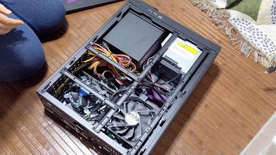 PCケース開けた写真1
