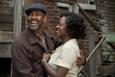 Fences Movie Denzel Washington and Viola Davis Image 4 (19)