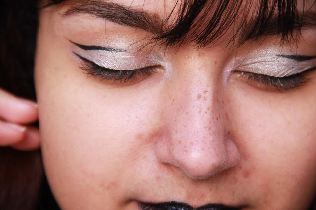 make-up-argenté-silver-metallic-glitter