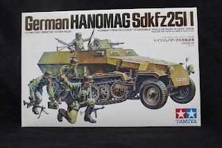 Article du blog ronylamaquette détaillant le montage du Sdkfz 251/1 de Tamiya au 1/35.