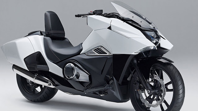 Honda NM4 Vultus 2015