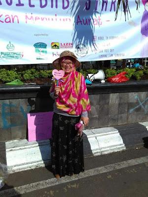 Antusiasme Warga Semarang Sambut Aksi Gerakan Menutup Aurat