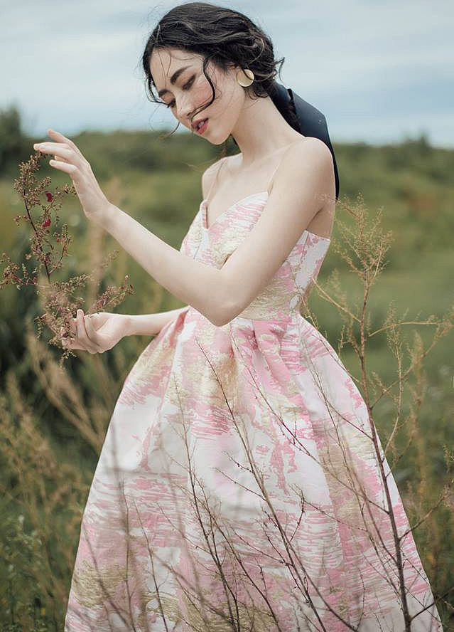 Cô Tấm trong MV của Chi Pu: Nữ hoàng lookbook, cao thủ làm đẹp có tiếng