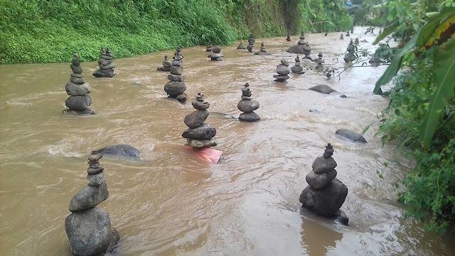 Akhir Kisah Tumpukan Batu Misterius di Aliran Sungai Cibojong