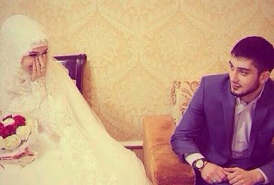 Hasil gambar untuk pasangan muslim bahagia