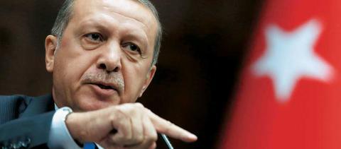 Ο Ερντογάν απαγόρευσε τα Χριστούγεννα σε σχολείο της Κωνσταντινούπολης!