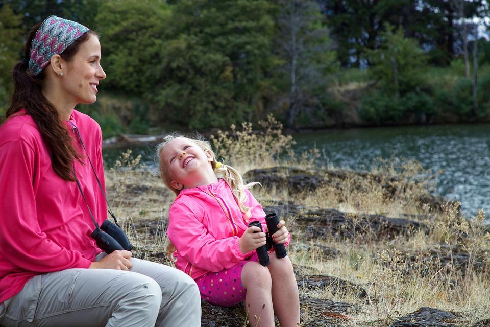 mother-family-maternidade--mãe-e-filha-bebê-menina-mãe-maternidade-gravidez-gestação-filhos-blog-materno-esmalte-rosa-mãe e filha