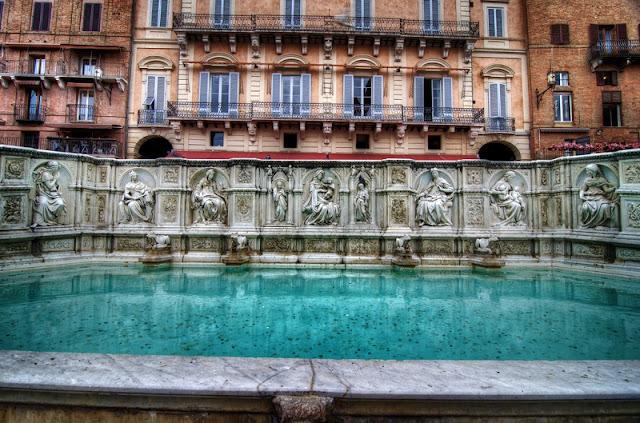 Fonte Gaia em Siena