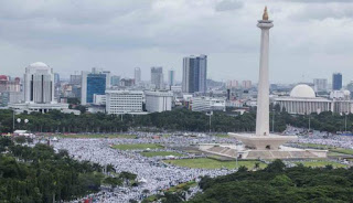 Alhamdullilah .. Dikabarkan Presiden Dan Wakil Presiden Ikut Salat Jumat di Monas Bersama Massa Aksi 212 - Commando