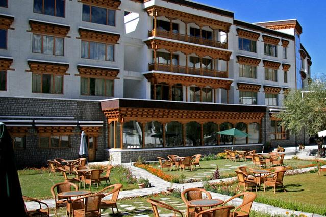 The Grand Dragon Hotel Ladakh ensures a hassle free accommodation within its premises.