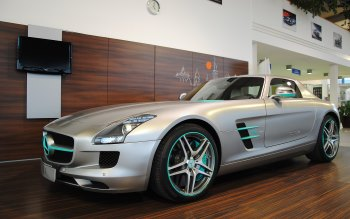 Wallpaper: Mercedes-Benz SLS AMG in showroom