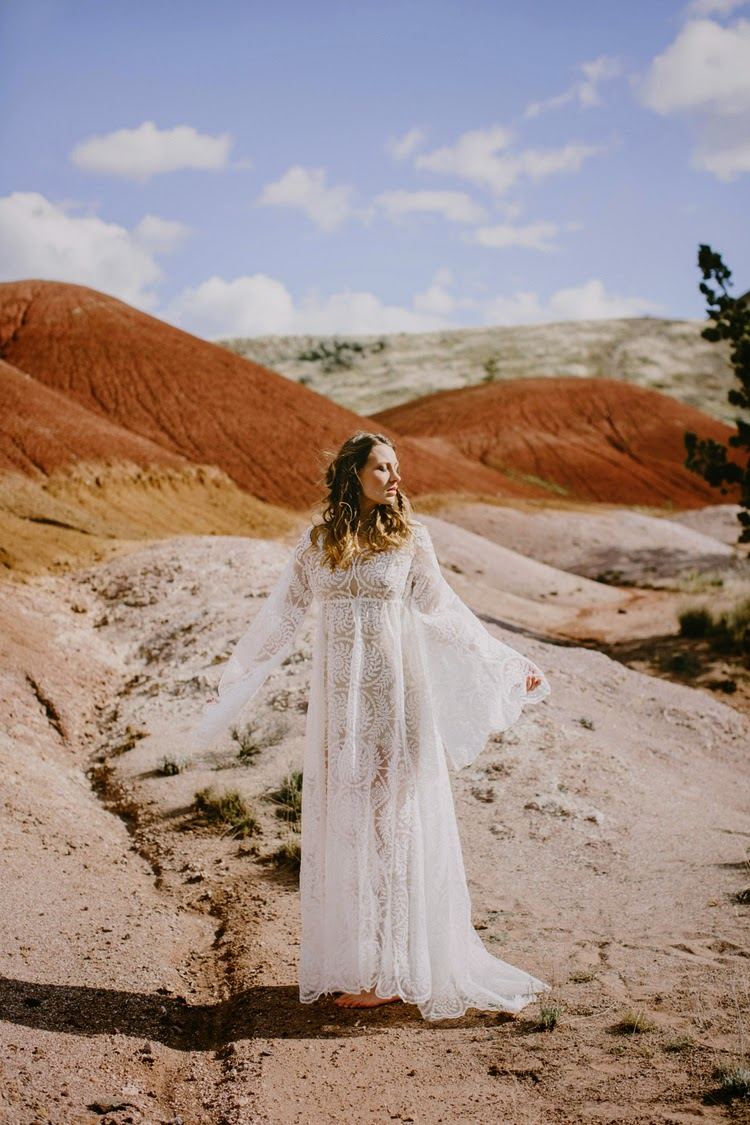 Wedding Dresses by Elizabeth Dye {Cool Chic Style Fashion}