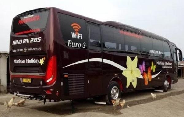 Hino Meluncurkan Bus RN285 Bertransmisi Otomatis