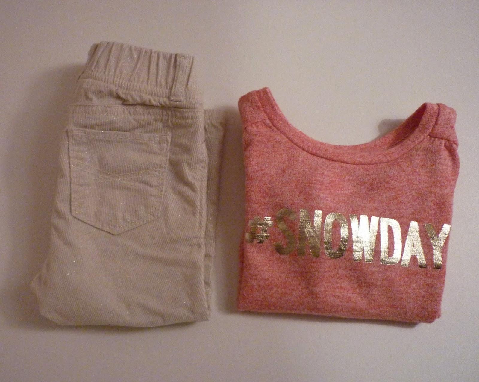 Tenue baby GAP pantalon velours écru et pailleté et sweat #snowday rouge chiné et doré