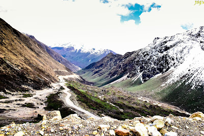 Way to Kala Patthar: Photo by Jayashree Sengupta @DoiBedouin