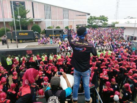 UMP Jawa Barat 2017 Rp 1,4 Juta