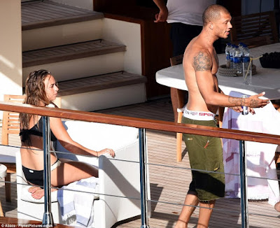 1e - Hot Felon, Jeremy Meeks leaves wife for Top Shop billionaire heiress Chloe Green