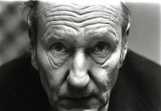 http://www.garyschoichet.com/PORTRAITS/images/0012%20william%20burroughs%20.jpg