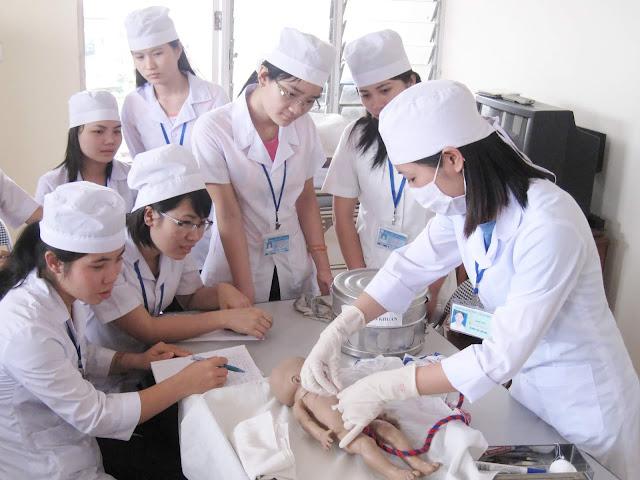 Học Trung cấp Điều dưỡng ở đâu tốt nhất tại Hà Nội?