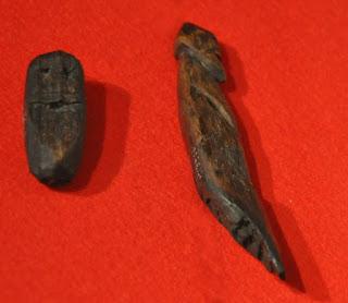 drewniane figurki kultowe z Wolina