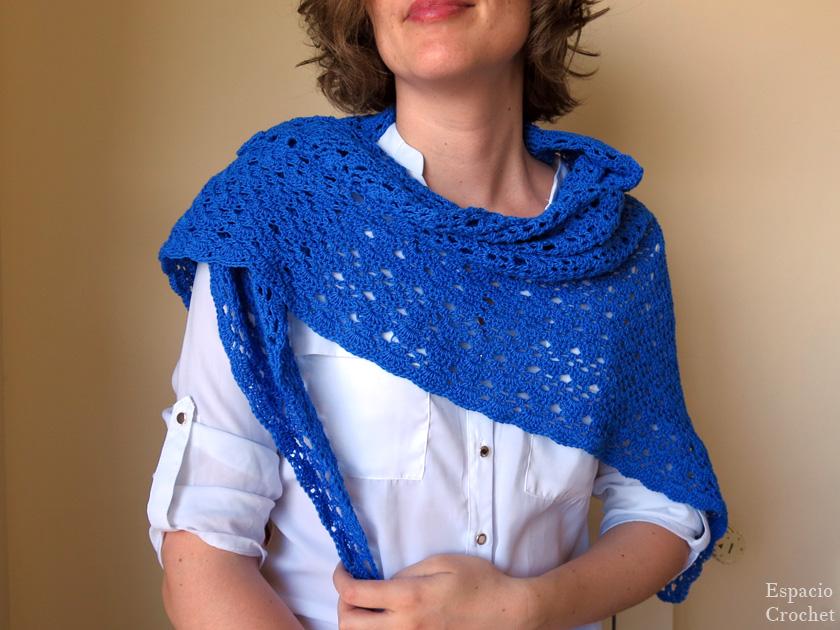 Chal azulón de crochet