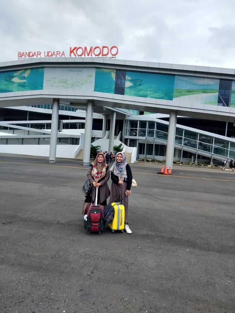 travel blogger, liburan labuan bajo, labuan bajo indah, backpacker labuan bajo, kepulauan flores, muslimah traveller, komodo island
