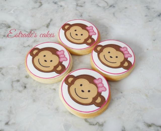 galletas de monitas decoradas con papel comestible 3