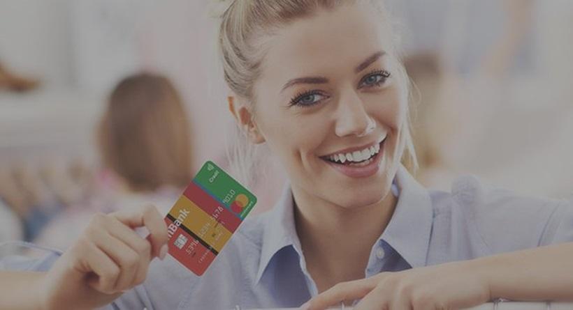 Darmowa karta kredytowa mBanku - MasterCard Standard, Visa Classic lub MasterCard Me.
