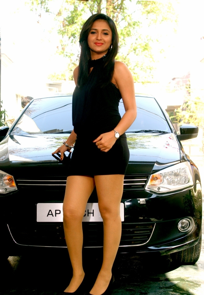 Actress Sarayu Latest Cute Hot Black Mini Skirt Dress Spicy Thighs Show Photoshoot Gallery