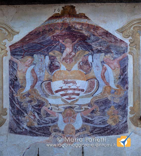 Affresco sulle pareti del Broletto di Orta