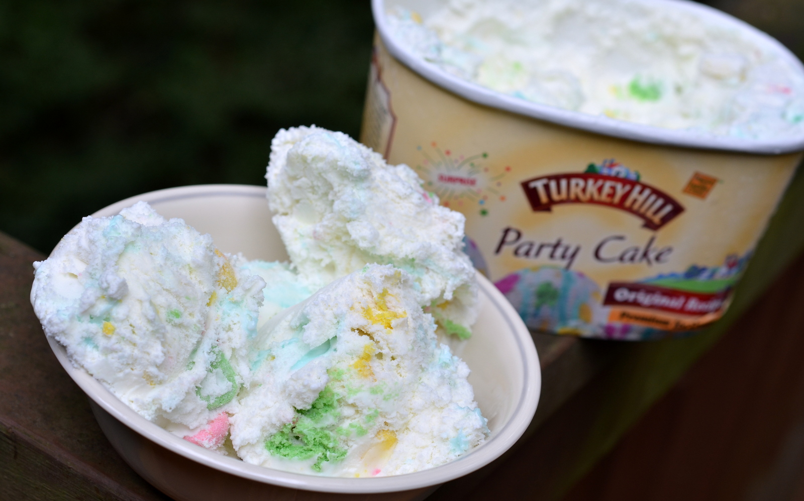food and ice cream recipes REVIEW Turkey Hill Party Cake
