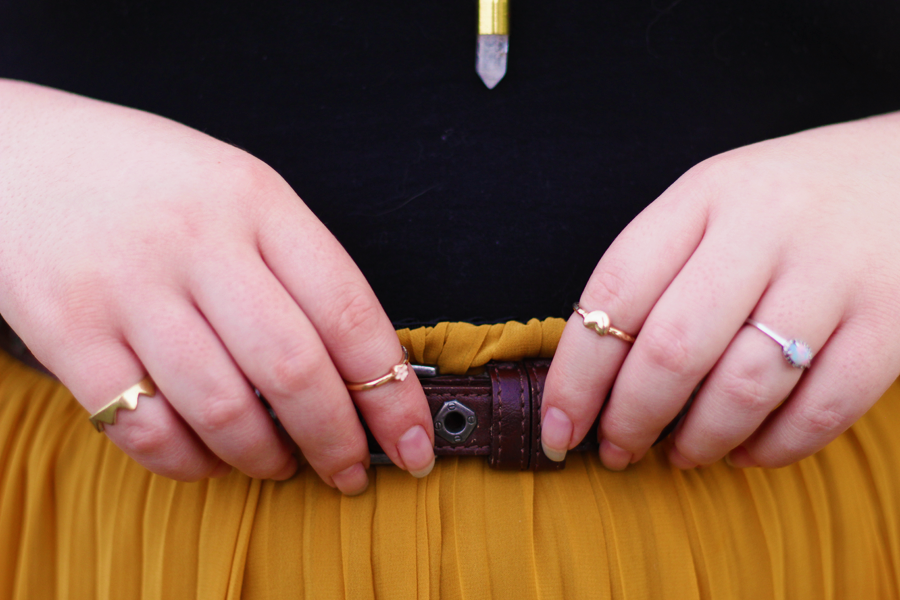 details, rings, pleated skirt, belt, summer, outfit