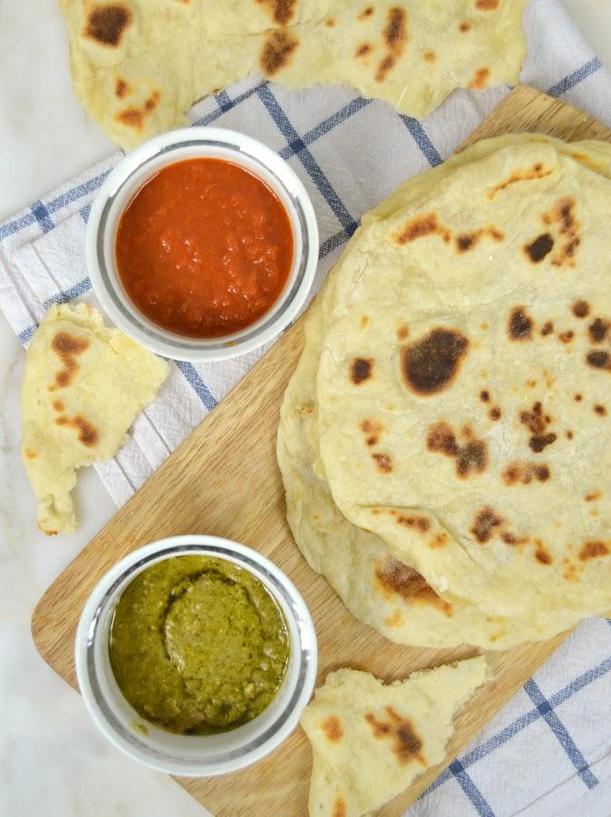 Pan plano a la sartén ¡Con solo dos ingredientes!