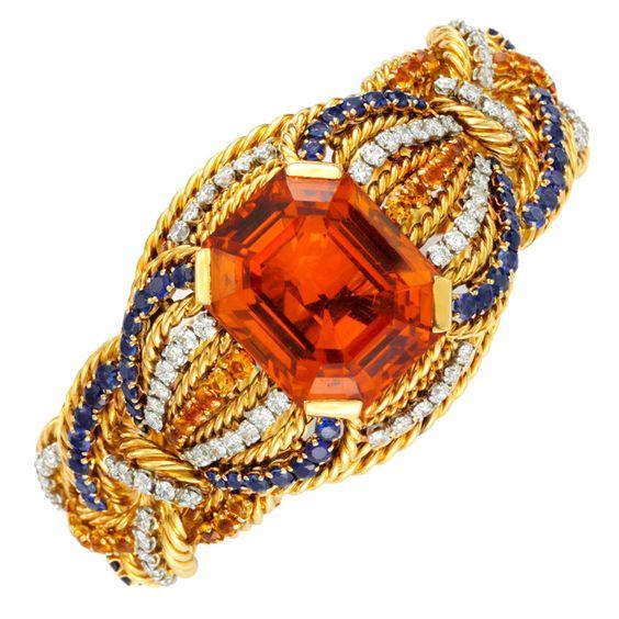 Beauty blogger's favourite jewelry pin...a bracelet!