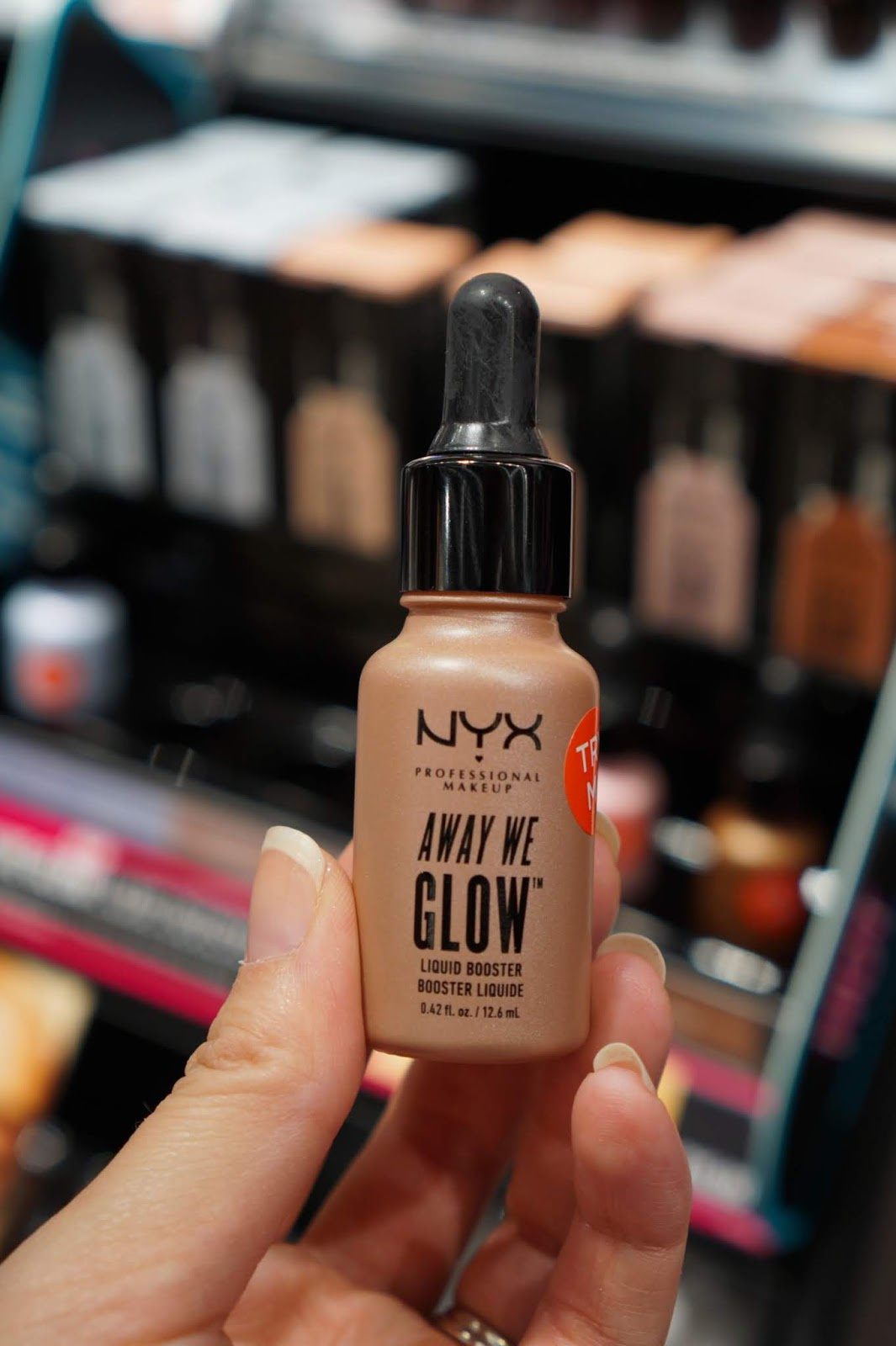 NYX_Away_We_Glow_Liquid_Highlighter