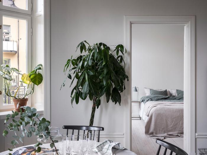Una camera da letto minimal e accogliente