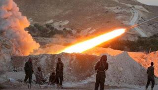 Allahu Akbar! Mujahid Suriah Terus Menggempur Pangkalan Udara Rezim Syiah Asad di Hama