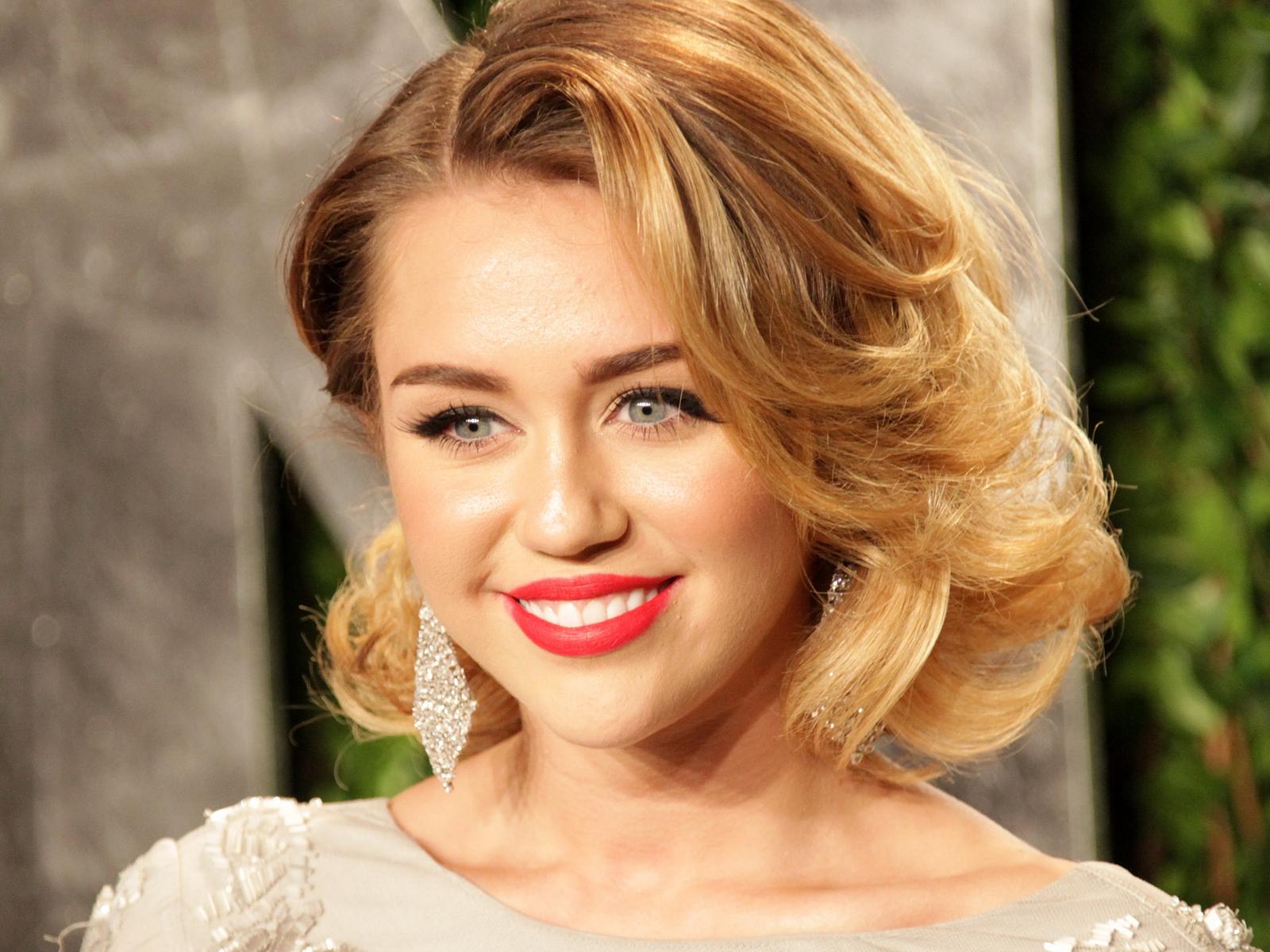 Miley Cyrus: Miley Cyrus 2013