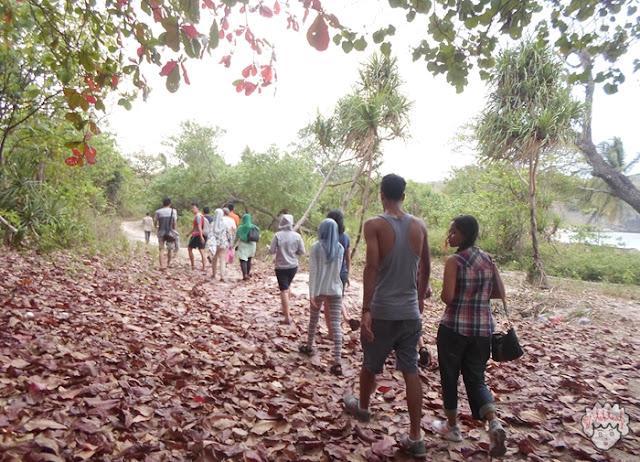 Musim Gugur di Pulau Sangiang journeyofalek.com
