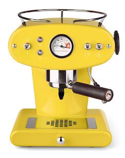 cafetera frnacis amarilla