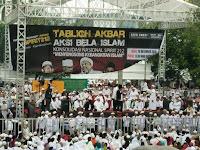 Lima Puluh Ribu Umat Muslim Medan Teriakan Revolusi di Masjid Agung