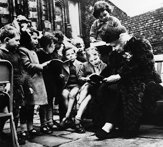Dr Maria Montessori dan Anak-anak