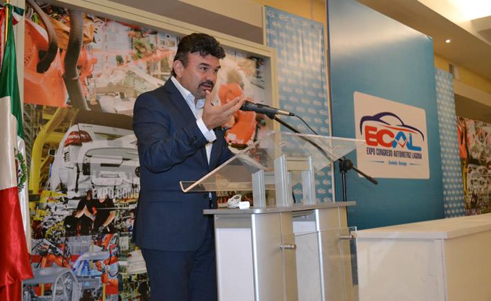 El Director General de Magna Corporation, Miguel Méndez, abrió las puertas de la empresa a propuestas de innovación para la industria automotriz. Foto: (VI)