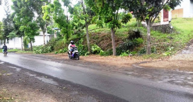 Nampak pengguna jalan di Keluarahan Madidir Unet, Kecamatan Madidir penuh dengan hati-hati.