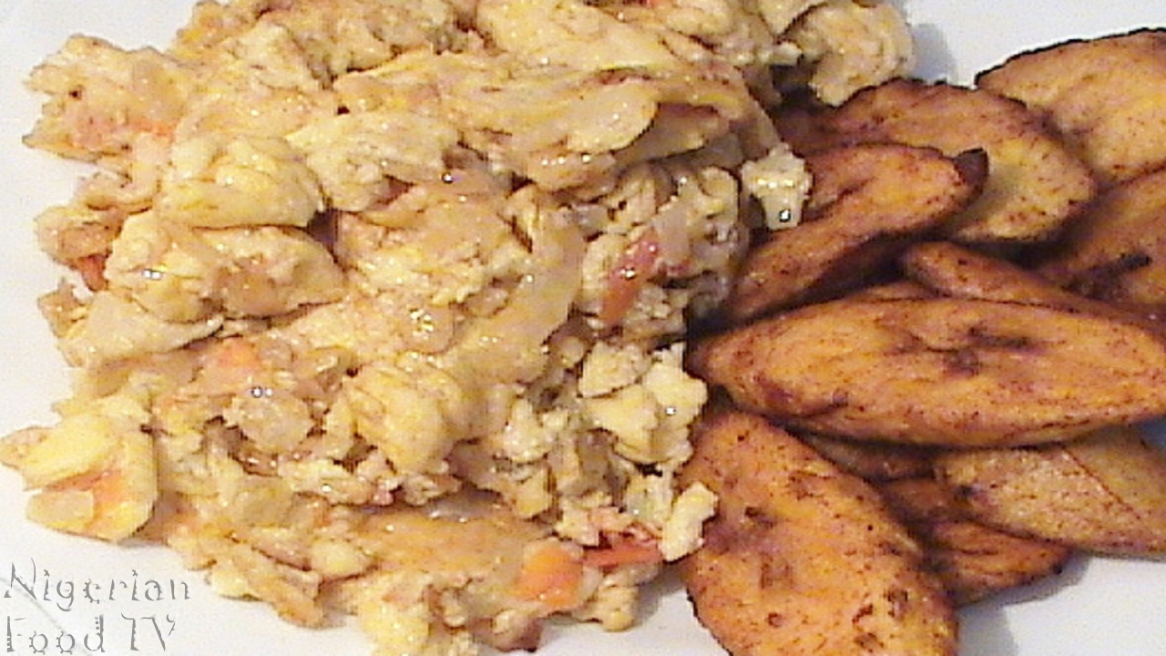 nigerian fried plantain and eggs