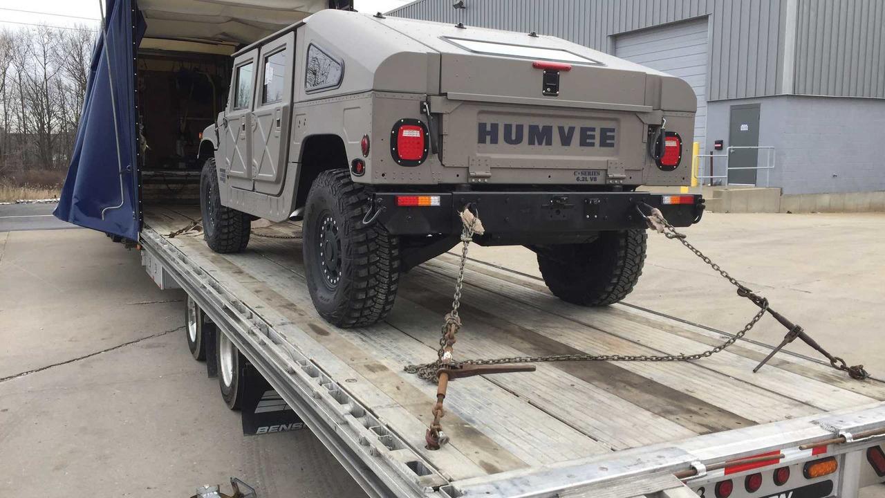 Hummer H1 Humvee C Serisi Olarak Geri Donuyor Sekiz Silindir