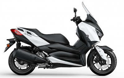 New 2017 Yamaha X-Max 300 side profile image