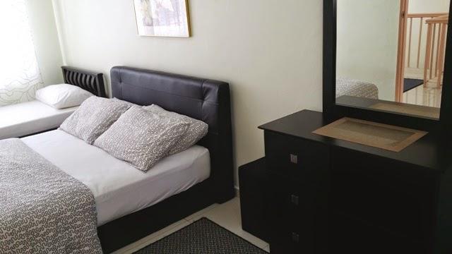 Photo 4: Master bedroom (upper floor), 1 queen and 1 single beds